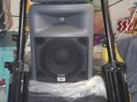 "18"" powered subwoofer and pair of peavey pr10 speakers"
