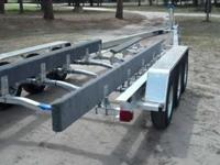 29'-31' Triaxle 10,500.lb aluminum boat trailer. We