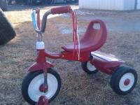 adjustable radio flyer tricycle 20.00 good condition