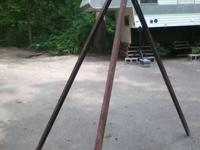 Heavy Duty Tripod for Campfires, good for holding heavy