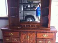 Beautiful tripple dresser and mirror with light. ( Dark
