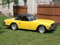 TRIUMPH TR-6 1974 YELLOW WITH TAN INTERIOR IN GOOD