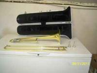 Yamaha Trombone 2 mouthpieces lire flipbook and case,