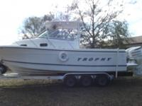 TROPHY FISHING BOAT 2802 A MODEL 30 FT 2- 2004 JOHNSON