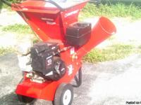 Troy-Bilt Chipper/Shredder. Briggs & Stratton Intek;
