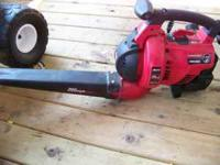 troybilt leafblower TM320BV runs good 2-Cycle 31 cc