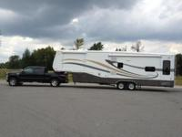 Truck and Camper Combo Camper: 2006 Doubletree RV,