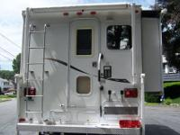 Truck Camper Combination Truck 2005 Chevrolet
