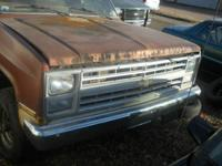 1986 CHEV / GMC FENDERS--$50--- AND RT FRONT FENDER FOR