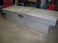 Aluminim Dee Zee truck tool box that fits small truck,
