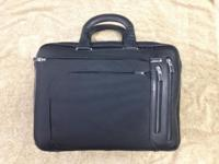 Tumi Arrive Kennedy Deluxe Brief Case - **(Retail cost
