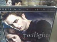 selling twilight on dvd is a 3 disc set, new moon on