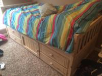 Twin bedroom set, natural finish, solid wood, excellent