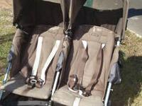 "This stroller carries 2 children in tandem"" Grey"