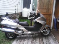Honda Silver wing automatic motorcycles. Excellent