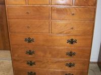 Two identical mid-century Ethan Allen Early American