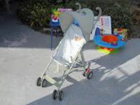 Pooh umbrella stroller with sun canopy. No rips, tears,