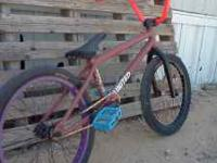 I am selling my Custom UNITED TRINITY bmx bike. I am