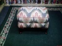 UPHOLSTERED FOOT STOOL WITH WOOD LEGS LIKE NEW 24.95