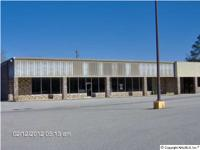 ASHVILLE. INDUSTRIAL BUILDING WITH 9,000 SQ FT. PLENTY