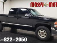 This 2001 GMC Sierra 1500 SLE is offered to you for