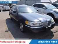 2001 Lincoln Town Car Signature Recent Arrival!Clean