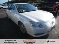 White 2008 Toyota Avalon FWD 6-Speed Automatic