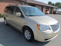 2010 CHRYSLER TOWN & COUNTRY TOURING, WELL MAINTAINED,