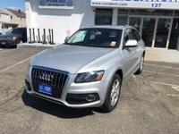 Load your family into the 2011 Audi Q5! This vehicle is