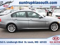 Body Style: Sedan Exterior Color: Space Gray Metallic -