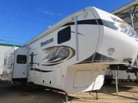 This used 2011 Montana 3400RL is a great deal!! If