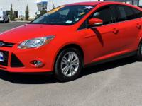 Clean CARFAX. 2012 Ford Focus SEL FWD 6-Speed Automatic
