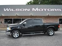 Extremely nice Ram 1500 V8 4x4 Crew Cab! Leather