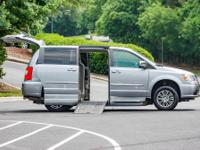 WHEELCHAIR-ACCESSIBLE 2014 Chrysler Town and Country.