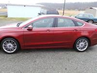 2014 Fusion SE, Leather,Sunroof, Clean carfax, w/great