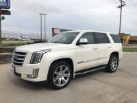 Look at this 2015 Cadillac Escalade Luxury. Its