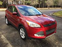 Ruby Red Metallic Tinted Clearcoat 2015 Ford Escape SE