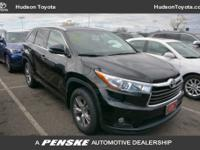 2015 Toyota Highlander XLE V6Priced below KBB Fair