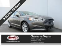 This 2016 Ford Fusion SE comes well-equipped with