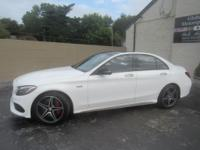 OVERVIEWThis 2016 Mercedes-Benz C-Class 4dr