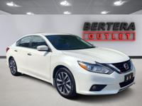2016 Nissan Altima Pearl White 2.5 SL Rear Backup