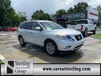 FUEL EFFICIENT 27 MPG Hwy/20 MPG City! CARFAX 1-Owner.