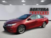 2016 Toyota Camry Ruby Flare Pearl XSE Rear Backup