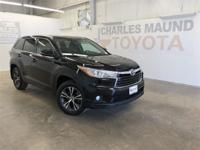 Black 2016 Toyota Highlander XLE V6 FWD 6-Speed