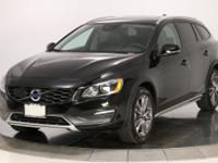 2016 Volvo V60 Cross Country T5 Platinum AWD in Onyx