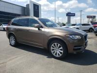 Z2584 2016 Volvo XC90 T6 Momentum AWD One Owner with