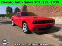 2017 Dodge Challenger R/T This vehicle offers a sharp