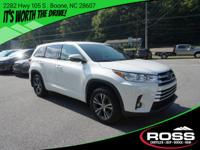 2017 TOYOTA HIGHLANDER LE AWD 1-OWNER ONLY 33K MILES -