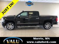 1-Owner! **Navigation, Moonroof, Tonneau Cover** 4WD