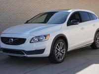 2018 VOLVO V60 CROSS COUNTRY T5 ALL-WHEEL DRIVE!!!